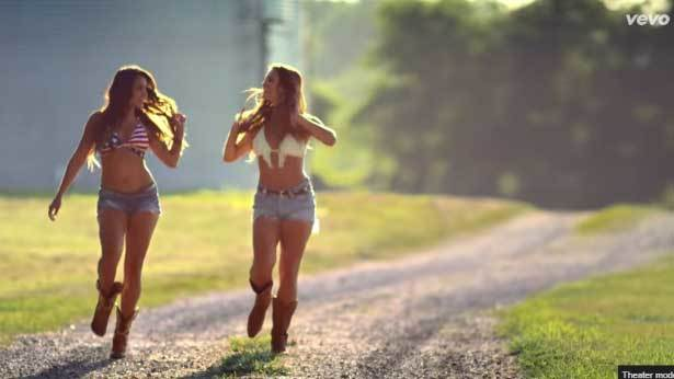 Girl In A Country Song – Maddie & Tae
