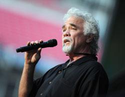 Gary-Morris-singing