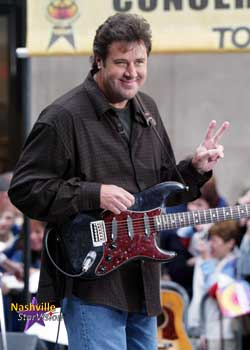 vince-gill-peace-sign